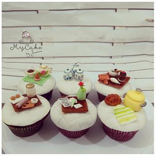 Tea set cupcakes