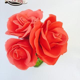 red realistic fondunt roses