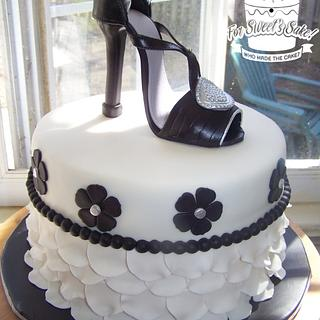 White Black Silver Theme - Cake by Ladybug9