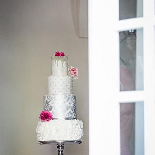 Luxury wedding cake and sweetbar, Chateau Heralec