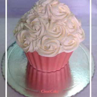 Giant cupcake - Cake by Cidália Silva