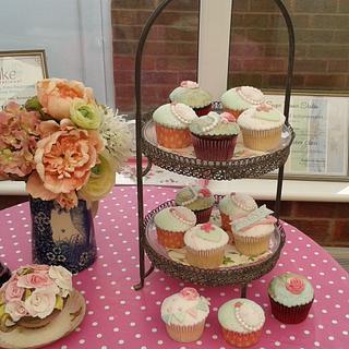 Vintage inspired Bridal Shower cupcakes