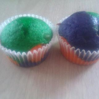 Tie Dye Cup Cakes