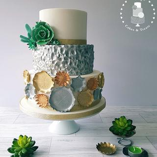 Metallic cake with sugar succulents