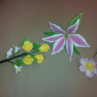 my first sugar flower!!!