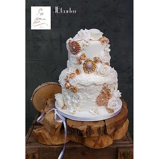 Weddingcake vintage bas relief