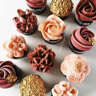 Autumn Romance - Cake by Sophia Mya Cupcakes (Nanvah Nina Michael)