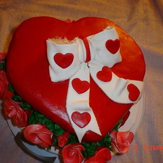 Valentines Day Heart Box cake - Cake by Dana