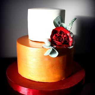 Bronze, white, red wedding cake