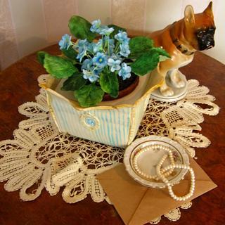 """Cake"""" Vintage planter with violets"""""""