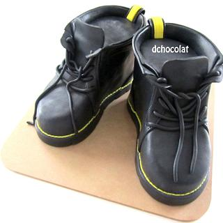 black boots - Cake by Dchocolat