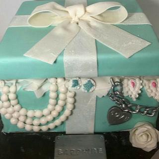 Open Gift Box Cake
