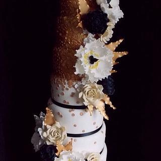 Black, white & gold  - Cake by Cupcandi Cupcakes