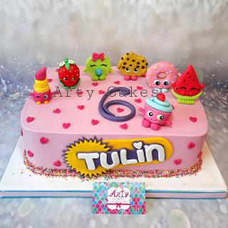 Shopkins cake by Arty cakes