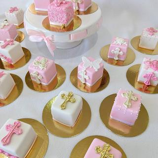 First communion mini cakes