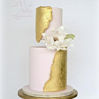 INSPIRED WEDDING CAKE