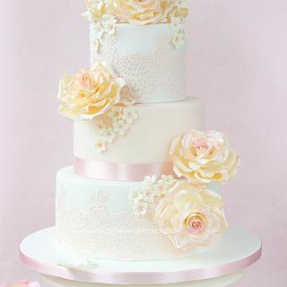 Rose Enchantment - Cake by Bellaria Cake Design