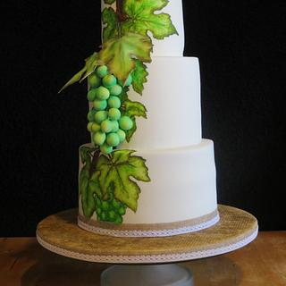 Grapevine wedding cake