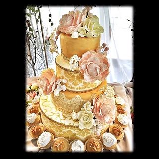 Vintage Golden Wedding Cake