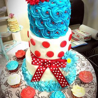 Retro Cake & Cupcakes