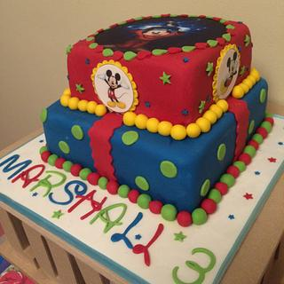Mickey Mouse 2 tiered cake