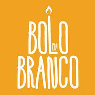 Bolo em Branco [by Margarida Duarte]