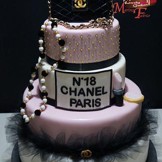 Chanel 18