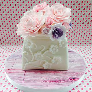 Mother's Day vase with sugar flowers - Cake by Sweet Designs by Jo
