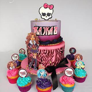 Monster High  - Cake by Layla A