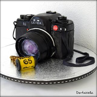 Camera LEICA R6 - Cake by DortaNela