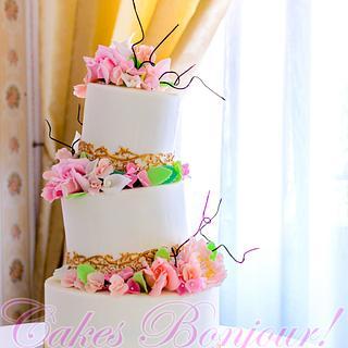 Elegant wedding cake!