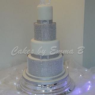 All that glitters and sparkles - Cake by CakesByEmmaB