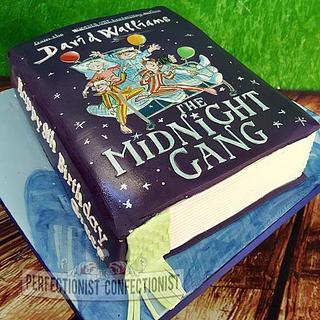 Grace - The Midnight Gang Birthday Cake Book