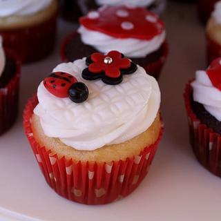 Ladybug cupcakes - Cake by Jewell Coleman
