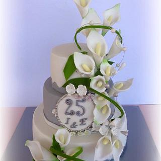 Silver wedding cake.