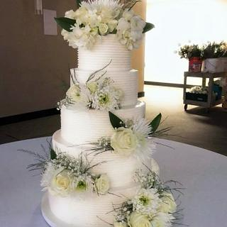 White flowered Wedding Cake