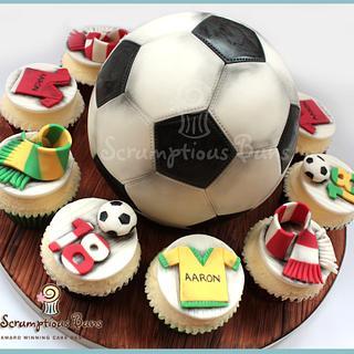 Big Cake Little Cakes : Football Fan