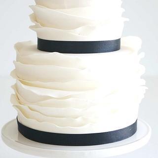 White Fashion Wedding Cake