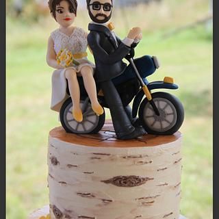 Buttercream Birch tree weddingcake with motorbike topper