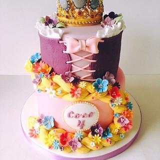 Tangled Rapunzel crown cake - Cake by The Rosebud Cake Company