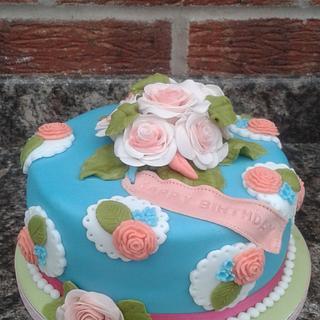 Vintage rose cake - Cake by Karen's Kakery
