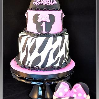 Isabella 1st Birthday cakes