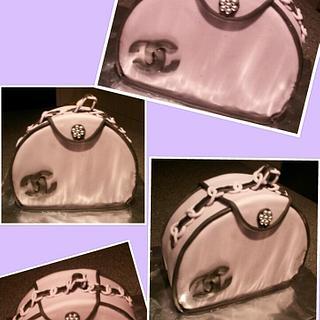 Chanel purse! - Cake by Jenny Edman