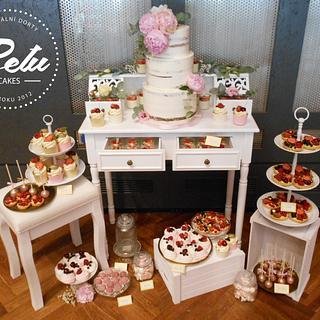 Pink&gold Wedding Sweet Bar