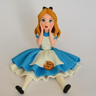 Alice in Wonderland fondant cake toppers