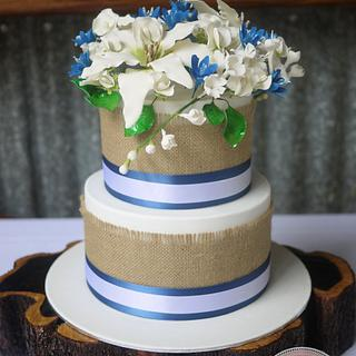 Vintage Hessian Wedding Cake