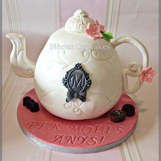 Tea Pot cake - Cake by nectarcupcakes