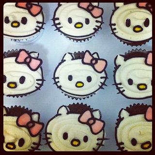 Hello Kitty Cupcakes - Cake by cakesbymary