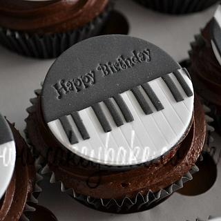Piano Themed Cupcakes - Cake by CakeyBake (Kirsty Low)