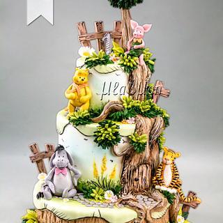 Winnie the Pooh - Classic Edition Cake